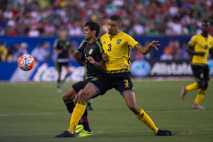 Así mismo, en la defensa estaba Michael Hector, compañero de Marco Fabia...