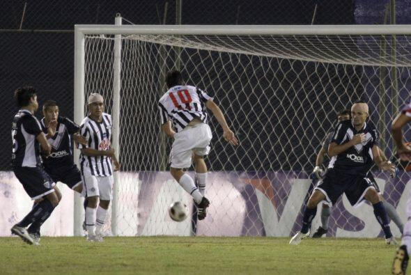 Libertad anotó sus goles por medio de Rodrigo Rojas (m.44) y Manuel Maci...