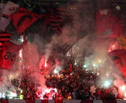 ¡Esa pasión de multitudes!Cita de honor en un estadio copero, las imágen...