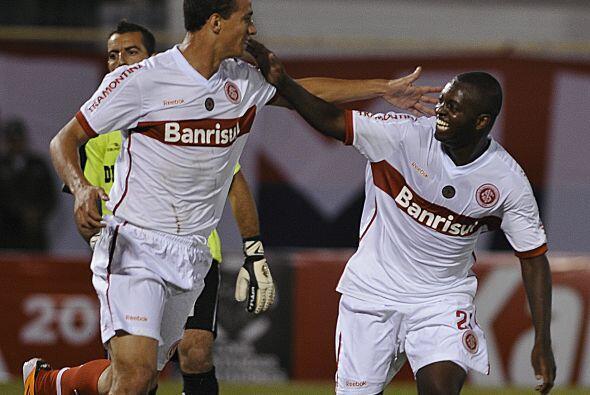 En tanto, Internacional,  actual campeón de la Copa Libertadores, goleó...