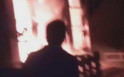 Un fuego en un edificio fue la trampa mortal para al menos siete persona...