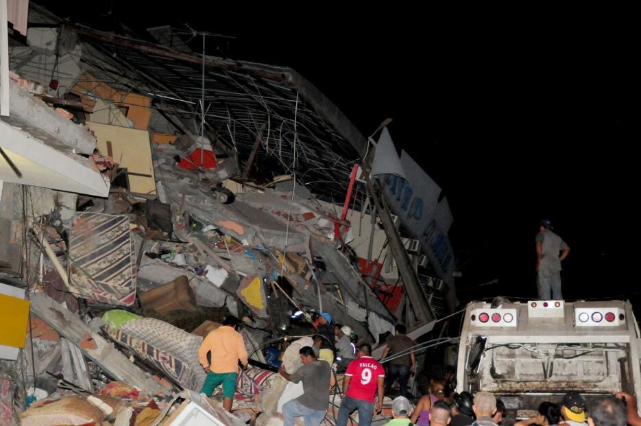 La devastación dejada por el potente terremoto en Ecuador ecuador4.JPG