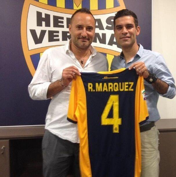 Rafael Márquez durante su presentación con el Hellas Verona.