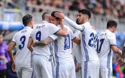 Dos goles y una asistencia para Karim Benzema, y un gol y asistencia par...