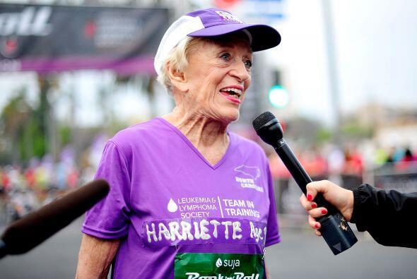 Esta admirable mujer ha estado casi en todas las ediciones del maratón R...