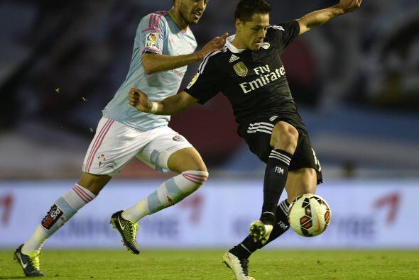 Javier Hernández volvió a ser uno de los mejores jugadores del partido l...