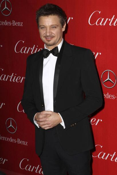 Sin duda alguna uno de los más elegantes fue Jeremy Renner. Este hombre...