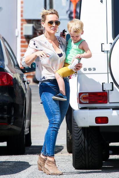 Hilary Duff siempre está pasando tiempo con su hijo pero eso no le impid...