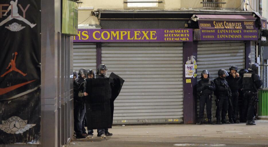 Tiroteo en los suburbios de París