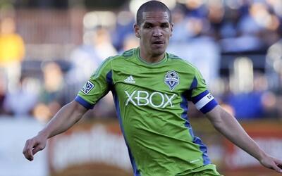 Osvaldo Alonso Seattle Sounders