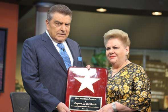 Un reconocimiento para Paquita la del Barrio.