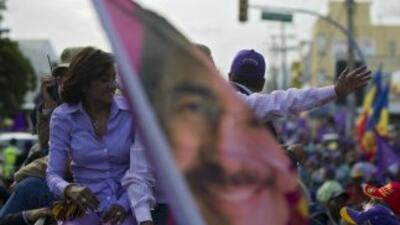 Dominicana está llamada a elegir el domingo nuevo presidente entre el of...