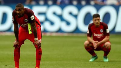 En fotos: Eintracht cayó con Schalke 04 y deberá ganar la Copa para ir a Europa League