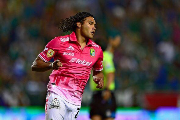 6.- León, al final Gustavo Matosas se mantuvo en el equipo, Jonathan Bot...