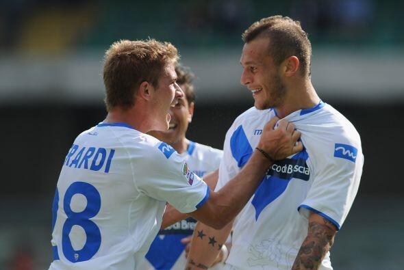 Como una de las sorpresas de la jornada, Brescia salió con los tres punt...