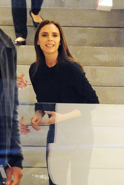 ¡Qué miedo con esa sonrisa! Mejor preferimos ver a Victoria Beckham con...