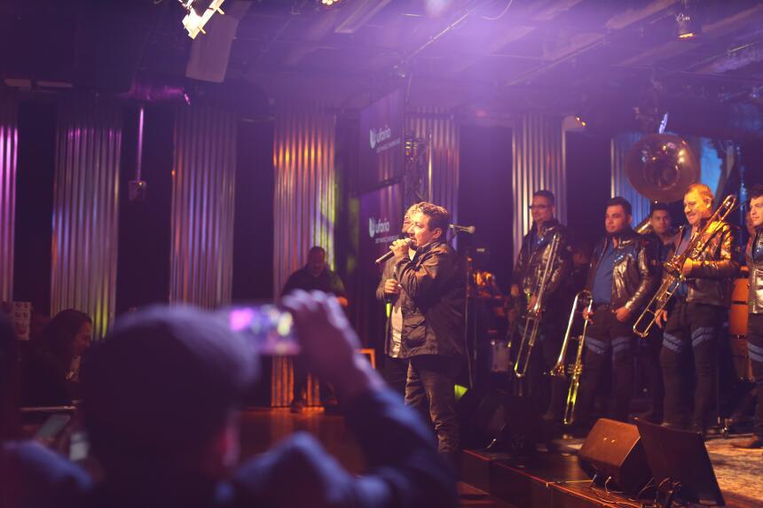 Raúl y El Feo se robaron el micrófono antes de la presentación de uno de...