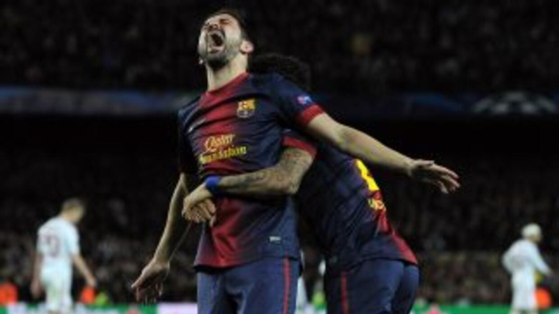 El 'Guaje' se descargó lueho del gol que le daba el pase a los barceloni...