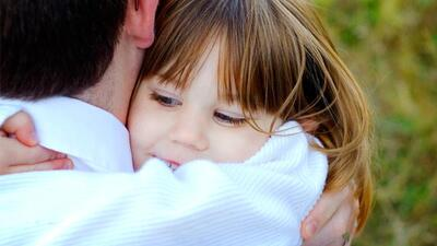 Raising grateful kids helps our children to be kind to others and thank...
