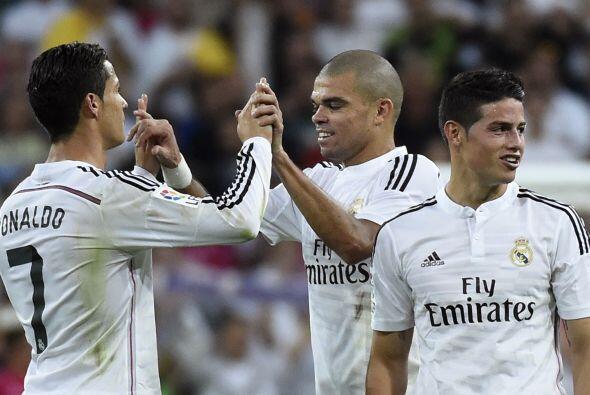 Con los tres pitazos finales se decretó el triunfo del Real Madrid que a...