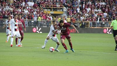 Saprissa derrotó a Alajuelense