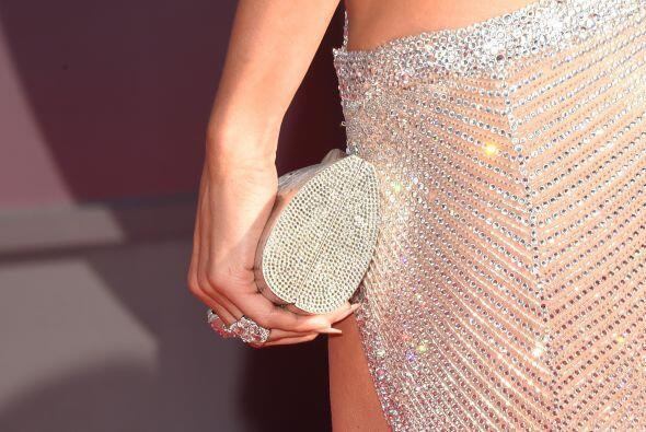 Los accesorios le dieron un toque súper glam. Miren nada más esta fabulo...