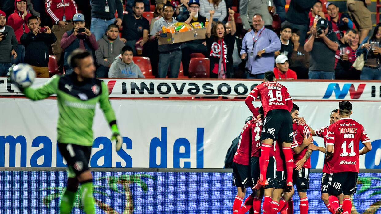 Tijuana festeja uno de los goles de Dayro Moreno.