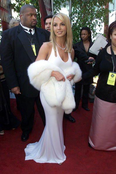 Poco a poco, Britney fue descubriendo su sensualidad y comenzó a enseñar...