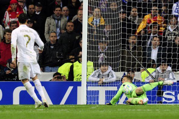 Teniendo como mejor ejemplo su destacado papel en la tanda de penaltis,...