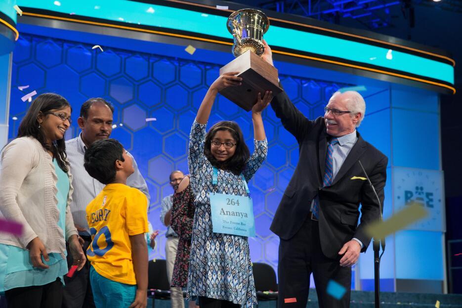 Ananya Vinay, de 12 años, ganó el concurso nacional de deletreo Scripps...