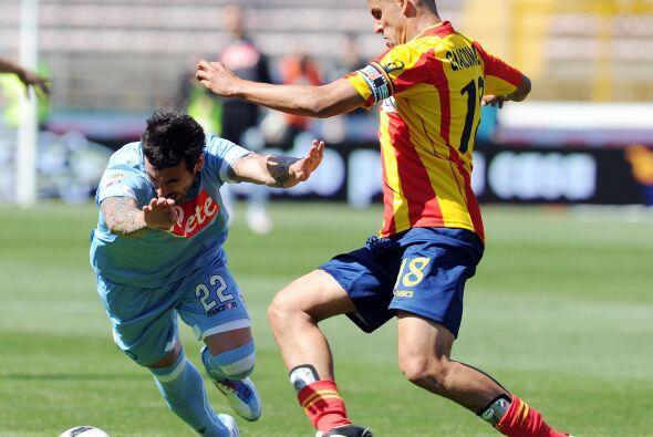 El Lecce recibió al Napoles que buscaba afianzarse en el tercer puesto.