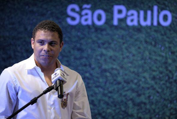 A los 34 años el ´Fenómeno´ anunció su retiro del fútbol activo en una e...
