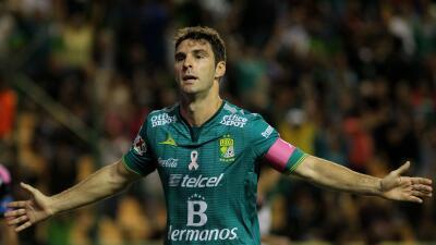 Pese al dolor en el tobillo, Mauro Boselli juega con alegría