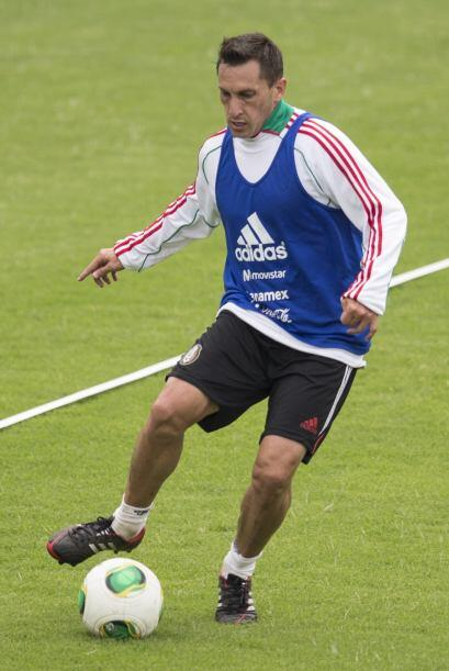 Christian Giménez vs. Roger Espinoza  -Christian Giménez.- El 'Chaco' va...