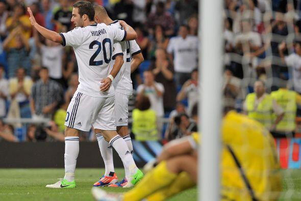 Pero su reemplazo, el argentino Higuaín, respondió de igual forma.