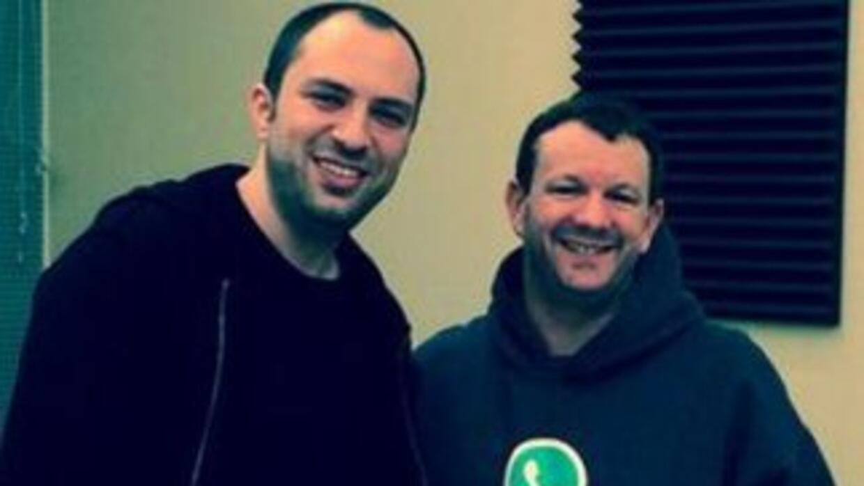 Jan Koum y Brian Acton, los fundadores de WhatsApp. (Imagen tomada de Tw...