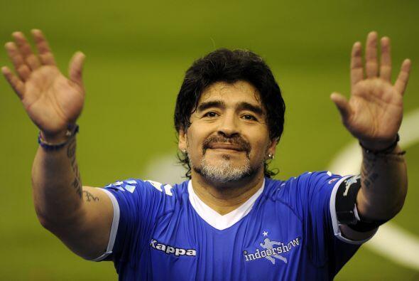 Diego Armando Maradona fue el mejor jugador del mundo...con la pelota en...