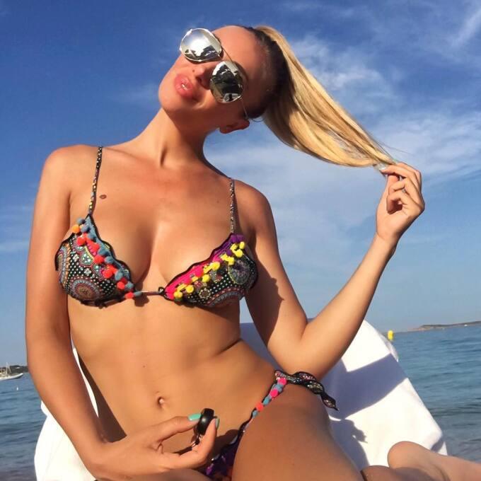 La bella italian es ferviente seguidora del fútbol y su equipo favorito...