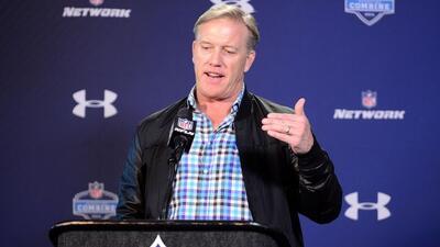 John Elway (AP-NFL).
