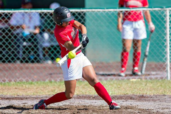 El representativo mexicano de softbol femenil propinó un nocaut a su sim...