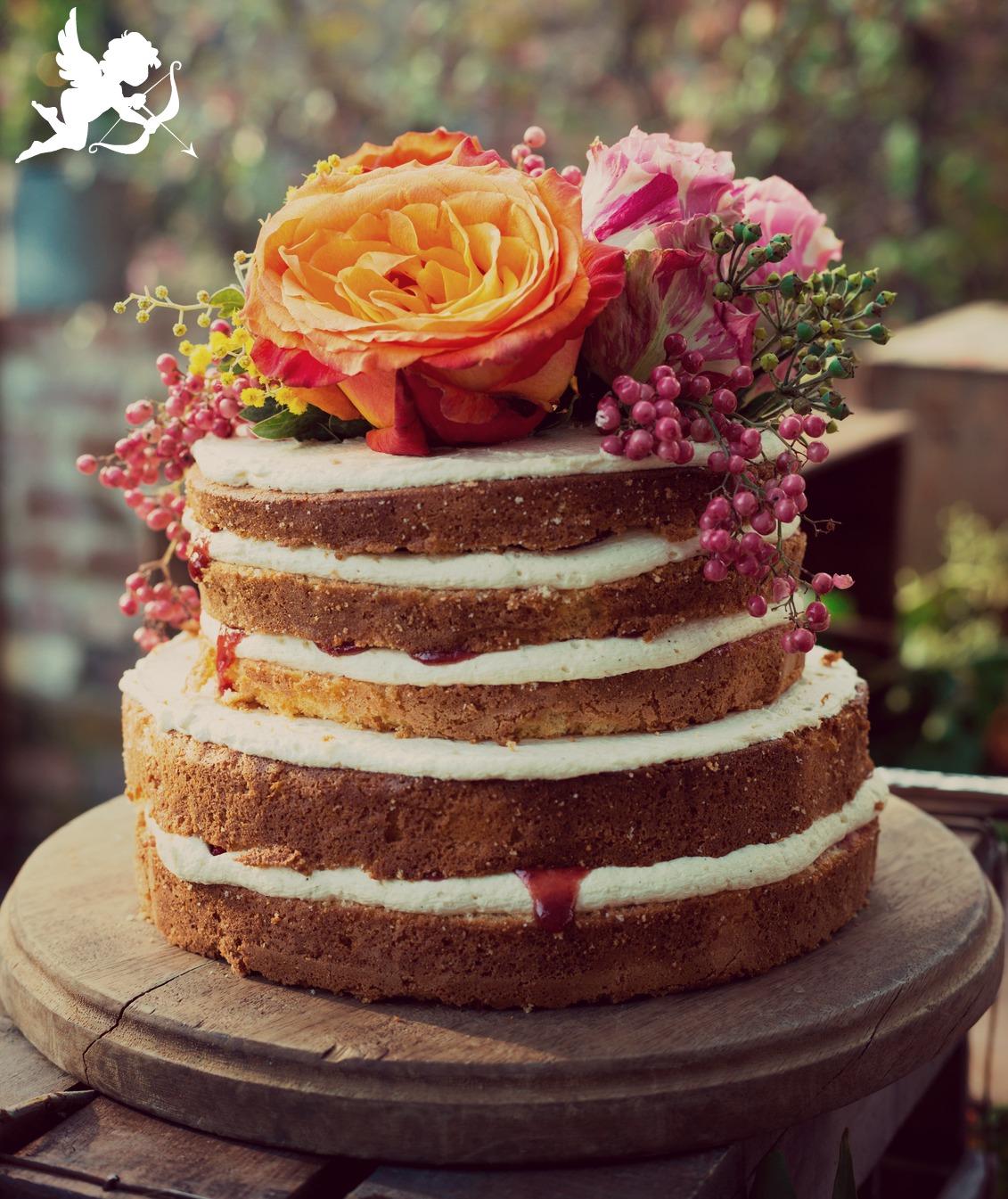 tendencias en tortas de boda  floral cake  nude cake  glitter cake  donut cake  ruffle cake